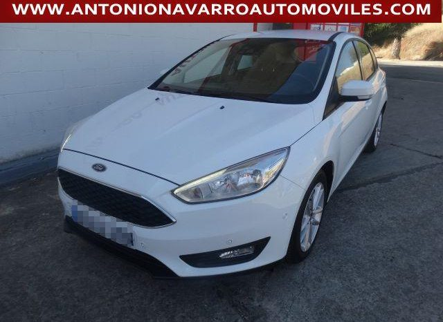Ford Focus Berlina Trend 1.6 Tdci 95 CV Auto-start-stop lleno