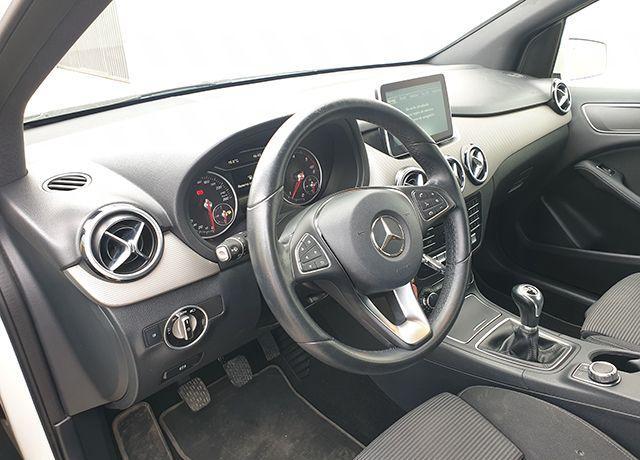 Mercedes 180d – Sport 1.5 Dci 109cv lleno