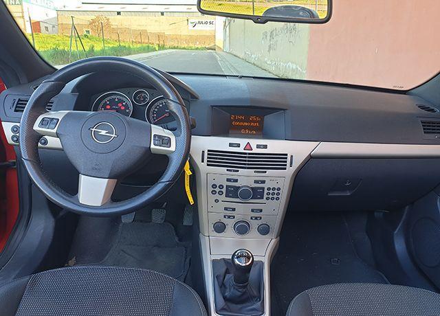 Opel Astra Cabrio 1.9 Cdti 120 CV lleno